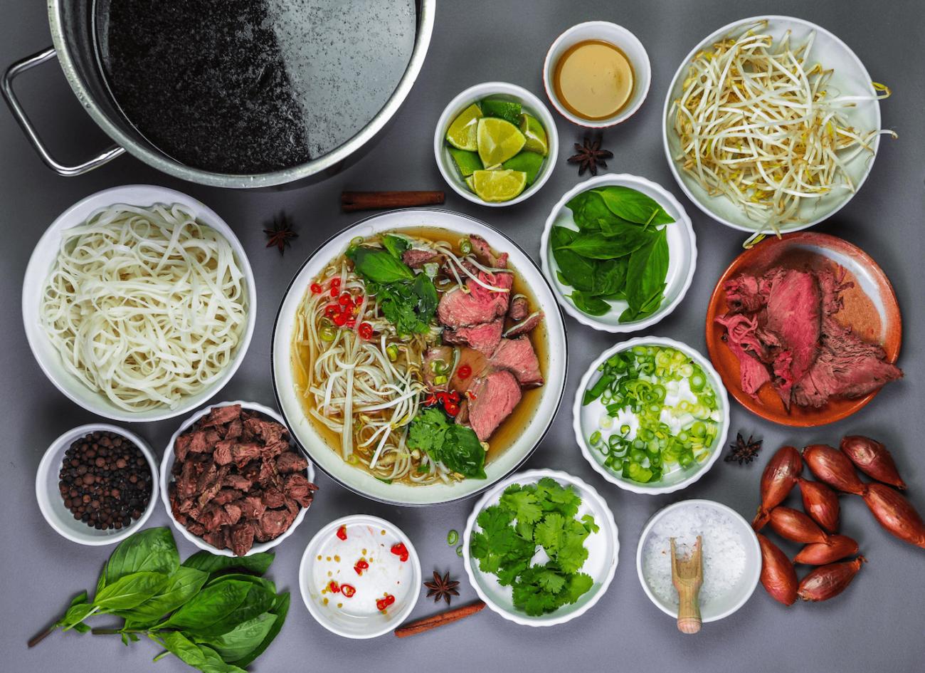 Überblick aller Pho Bo Suppen Zutaten