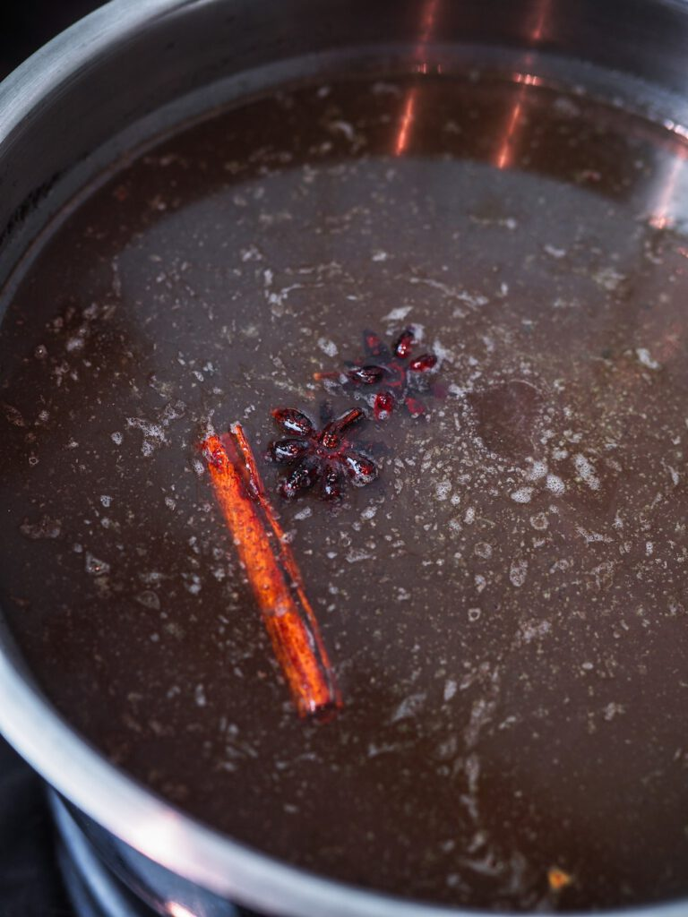 Pho Bo - die Suppe erneut 2h köcheln lassen