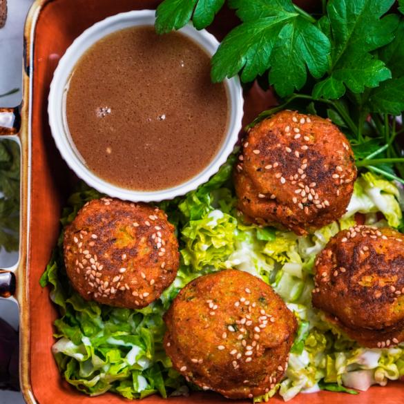 Blumenkohl Süßkartoffel Sesam Falafel mit Schwarzbier Soße