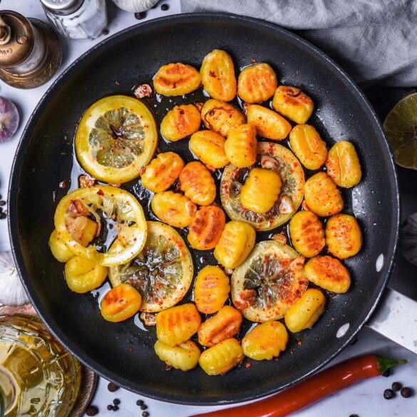 Gnocchi mit Knbolauch Zitrone und Chili