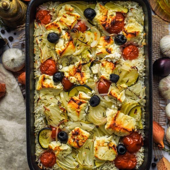 Onepot aus dem Ofen mit Reis, Feta Tomaten und Oliven