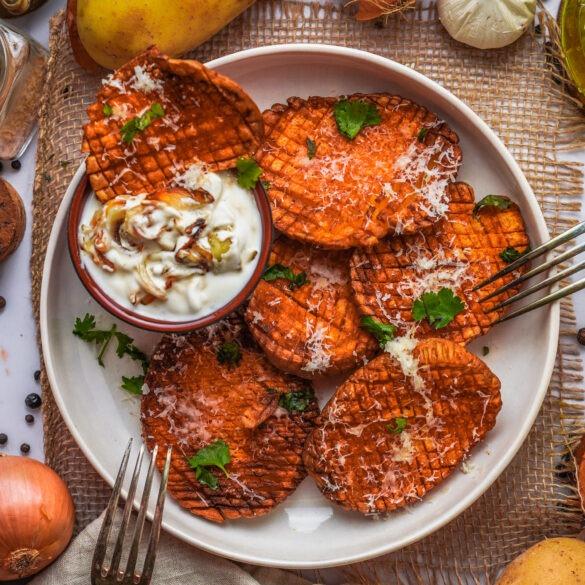 Parmesan Kartoffeln aus der Heißluftfritteuse mit einem Röstzwiebel Quark
