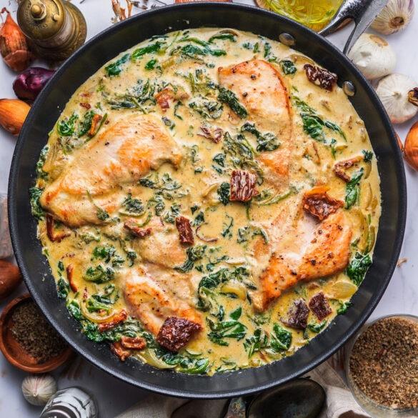 Parmesan Hähnchen mit Spinat Sahne Soße